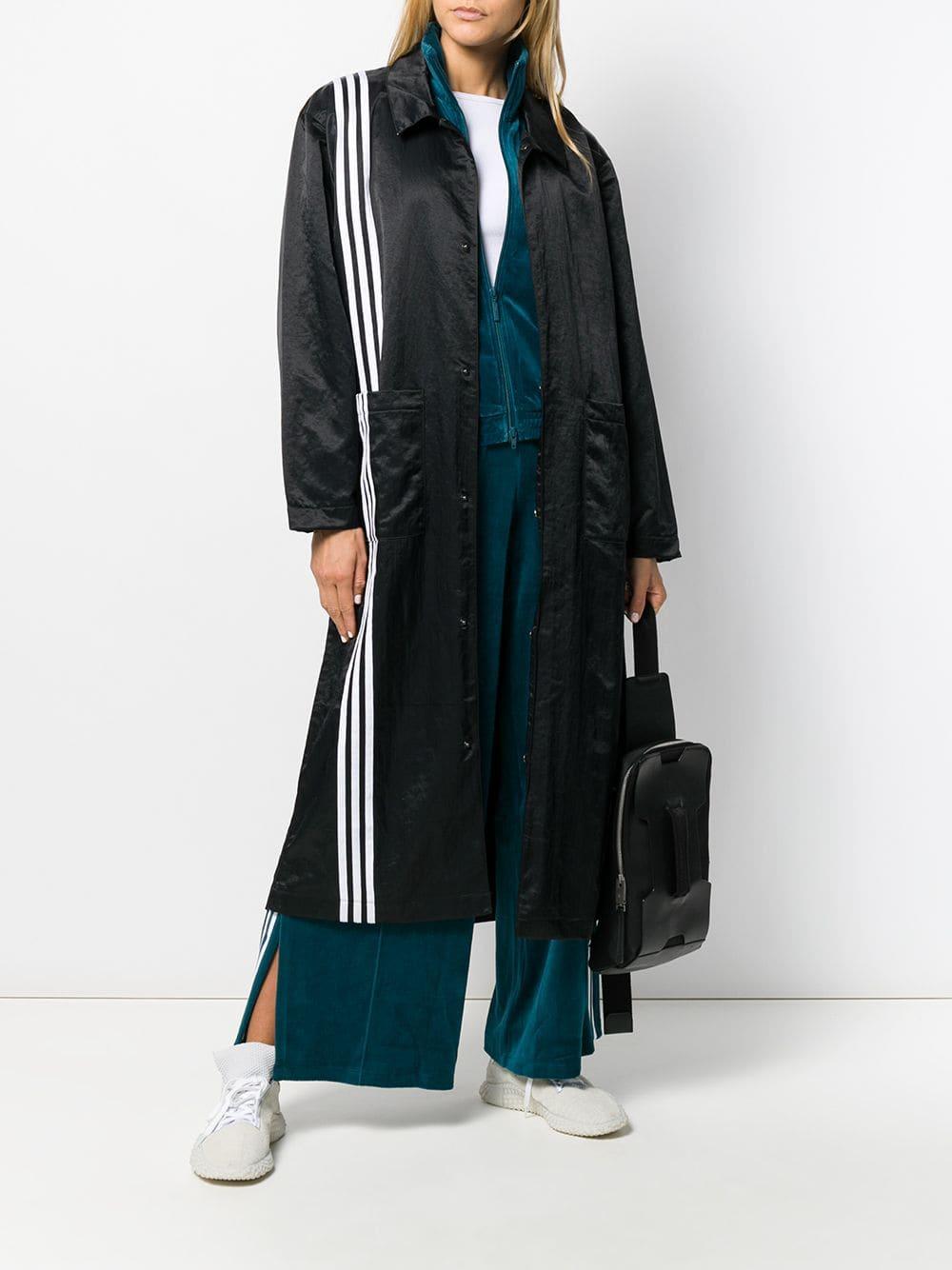 long manteau noir adidas porté