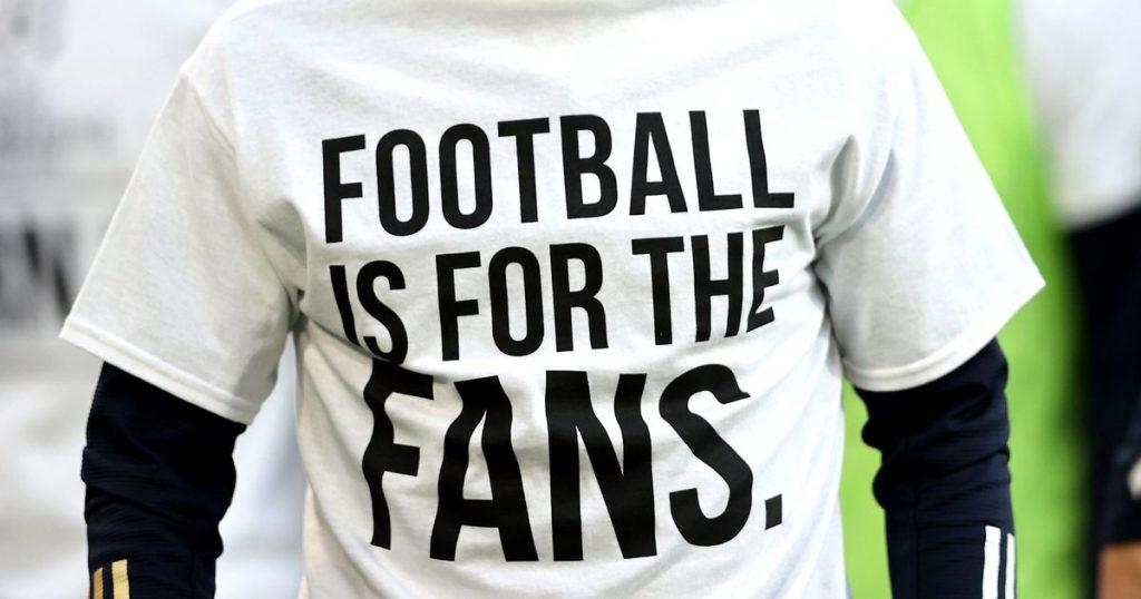 football-fans-super-league